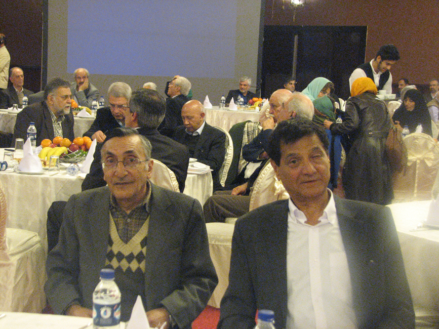 از چپ به راست: استاد کامران فانی - دکتر قدمعلی سرامی