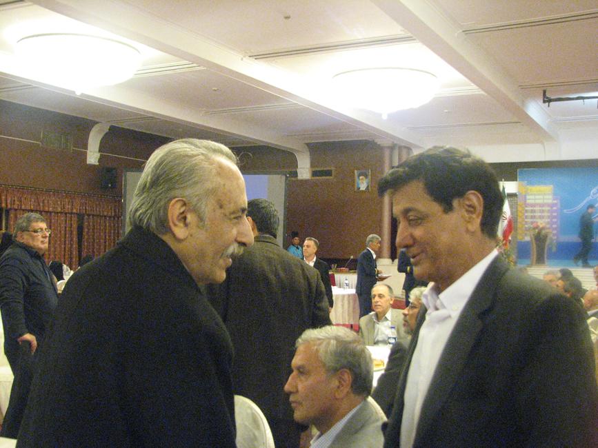 از چپ به راست: استاد بهاءالدین خرمشاهی - دکتر قدمعلی سرامی